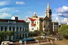 玛瑙斯 - 巴西亚马逊州州府。这里南纬4度,离赤道300公里。玛瑙斯相当于中国的一个地级市,从城市面