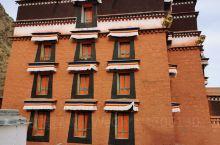 拉卜楞寺美丽的佛塔,很多的人家,藏语人家,美丽的风景!冬季来这里来看!