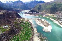 西藏林芝波密,去探访这片神秘的土地。成片成片的桃树虽经历风霜雨雪的摧残,却依然顽强地生长在山间河谷。