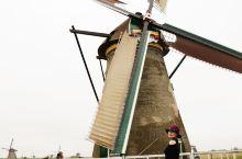 世界上最大的风车群——小孩提防风车群 小孩堤坝,也叫金德代克-埃尔斯豪特村,建于1740年,是当今世