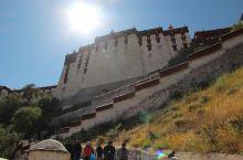 布达拉宫  西藏纳木措 【景点攻略】 详细地址:西藏拉萨市的布达拉宫  交通攻略:从重庆坐飞机直飞拉