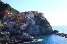 """意大利依山傍海的""""五渔村""""(Cinque Terre)中最富盛名的马纳罗拉和里奥马乔罗。碧澈的海水、"""