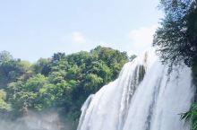黄果树瀑布,名不虚传,大瀑布最值得玩,另外两个,天星阁还可以,陡坡塘我觉得一般。小伙伴们记得带雨衣。