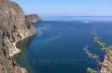 贝加尔湖位于东西伯利亚南部,在布里亚特共和国和伊尔库茨克州境内,是世界第一深湖、亚欧大陆最大的淡水湖