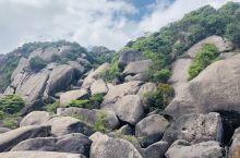 五一小长假去爬山,天气很好,蓝天白云 漳州云霄乌山风景名胜区