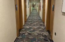 尚客优品酒店(泗洪洪泽湖东大街店) 位置优越交通便利,酒店设施齐全,房间干净整洁,住的很舒服。前台人