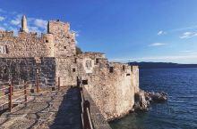 【旧日辉煌】 今日的平静不代表过去的平凡,荒圮的废墟诉说着昔日的辉煌。  圣彼得城堡,由圣约翰骑士团