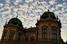 晨曦中的巴洛克宫殿