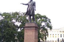 俄罗斯国家博物馆旁的普希金雕像