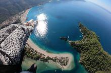 来土耳其的菲特希也玩滑翔伞是最最推荐的,价格便宜,教鍊认真,整个飞行的过程中很平稳。超快乐的。