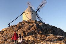 #夕阳下的风车小镇—考拉的西班牙之旅# 从托莱多出来继续往南去科尔多瓦,风车小镇孔苏埃格拉就在路上。