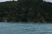 岛屿湾中的美丽小岛