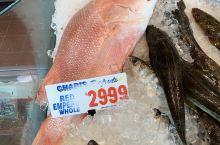 到海鲜市场转一转,周末吃什么?