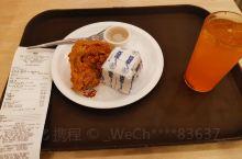 Andok's的食物,价格适中,不算贵,味道还可以。 图中的算是比较便宜的只要100。