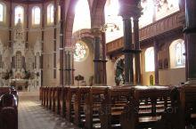 贝尔法斯特是北爱尔兰的最大城市。圣帕特里克 (St. Patrick's) 教堂是位于贝尔法斯特 D