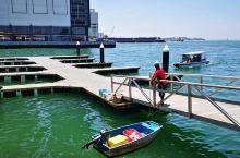港湾城市自然少不了码头的加持,哲斯顿岗码头应该算是亚庇的交通枢纽了,游客们在此可以乘船前往大大小小的