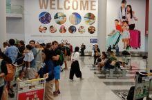 马尼拉机场三号机场抵达大厅的换线柜台,最高有人民币7.58的汇率,多换点,没有这么号的汇率了。
