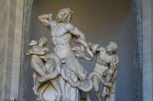 梵蒂冈博物馆绝对值得一去,馆藏丰富,内部装饰金碧辉煌。
