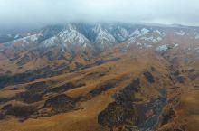 风吹草低见牛羊——草千里 阿苏火山是九州岛中一个至今活跃的火山,阿苏地区的火山挺多,其中这里的中岳火