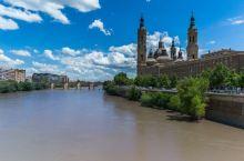 安利一个西班牙超级美的城堡建筑  来到西班牙的萨拉戈萨,给我留下最深印象的就是Iglesia de