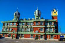 【带你领略我国童话边城的建筑风格】 这些建筑是在我国新疆省阿勒泰地区的童话边城-布尔津,布尔津也是喀