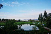 美丽的湿地欢迎您。永昌县北海子湿地风景区位于县城北,步行10分钟可到,湿地总面积10500亩,这里古