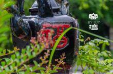 往前走一小段,进一处院落,一股酒糟味扑面而来,原来,这是新沂窑湾古镇的绿豆烧博物馆。绿豆烧是一种白酒