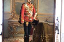 """""""布尔什维克宣布,沙皇尼古拉二世一家已被秘密处决。""""一行巨大的黑体字,简简单单,平铺直叙,却像一把匕"""