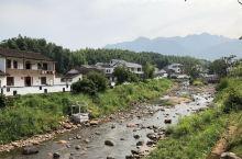 大觉山脚下的村庄建的如此美丽动人!让人流连忘返!