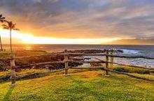 风景如画的卡帕鲁亚湾  卡帕鲁亚湾海滩是游泳爱好者的天堂。这里水流速度比较平缓,是夏威夷比较安全的游