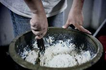 浦城豆腐丸。豆腐丸味咸,丸体含肉,鲜嫩油香,入口嫩滑,香味四溢,是高蛋白、低热量的健康美味。既可小吃