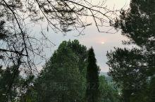 半湾村的荷塘与日落。