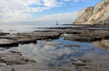 天之涯,海之角 南丘陵在比奇角(Beachy Head)遇海,形成了宏伟的白垩悬崖。从伊斯特本(Ea