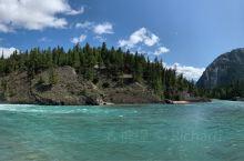 弓河瀑布,女神梦露涣衣之处/  弓河瀑布(Bow River Fall)位于风景秀丽的弓河(Bow