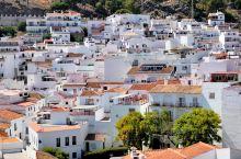 米哈斯小镇位于西班牙安达卢西亚南部安达鲁西亚省,它有着非常悠久的几千年历史,是一座非常古老的小镇。它