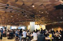 上海还是魔都~每年来都有小变化~好多家平成屋也是因为看了我的前半生~看简单生活音乐节,去年有赵雷今年
