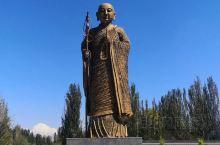 玄奘法师西行归来途经这里 乌什县十分地不出名 十个来新疆的人也就一个半个来过这里  这里人烟稀少 县