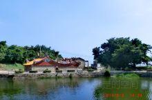 离台湾省很近的地方,曾经的前线,当前的特区。宗祠,榕树,渔船,石头屋子是闽南渔村的标配。