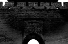 鸡鸣驿 回到明朝当王爷故事起点 驿站古城保存完好 戏楼壁画精美绝伦 总觉得要表现这里的沧桑 只有黑白