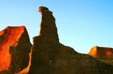 记录我和我的旅行~2009乌尔禾魔鬼城 魔鬼城又称乌尔禾风城。位于新疆维吾尔自治区准噶尔盆地西北边缘