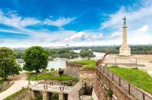 塞尔维亚是中东欧第一个向中国真正免签的国家,白本护照也能直接飞。颜值高物价低就是它最大的特色!首都贝