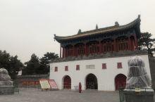 普陀宗乘之庙位于河北省承德市避暑山庄北,狮子沟南侧,占地22万平方米,为承德外八庙中规模最宏大者,建