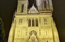 节日的圣母升天大教堂