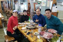 家人居然在这里相聚,在北京都各自忙各自的没时间一起吃饭,来首尔可以一起吃个夜宵,明天早上又要各奔东西