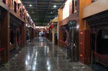 古床博物馆 听了当地人的介绍,来到了这家古床博物馆。 这是一家民营博物馆,是需要购买门票的。到了里面