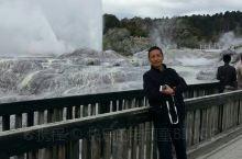 第一部份照片是硫磺喷泉,温度高达近千度,我躺的地方为地床,长期躺可以冶风湿;第二部份是毛利古村文化遗