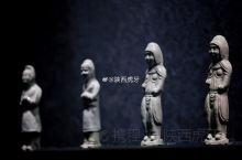 【唐白釉瓷胡人】高19、宽5、厚4厘米,陕西省咸阳地区出土,咸阳市文物保护中心藏品,现在乾陵博物馆展