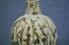 【唐三彩细jing瓶】唐懿德太子墓出土,现藏于懿德太子墓博物馆