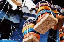 """舍夫沙万作为摩洛哥的旅游胜地,纯净清爽的空气和似乎永远为蓝色的天空让人着迷,这一片""""蓝""""又让舍夫沙万"""
