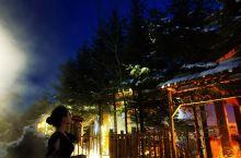 长白山万达凯悦度假村非常值得推荐冬天来滑雪的度假胜地,可以夜滑。酒店设施够五星级标准,自带滑雪场,各